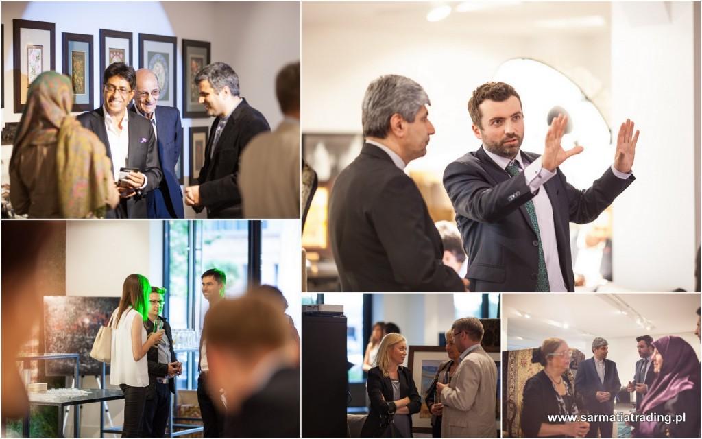 rozmowy biznesowe podczas wystawy