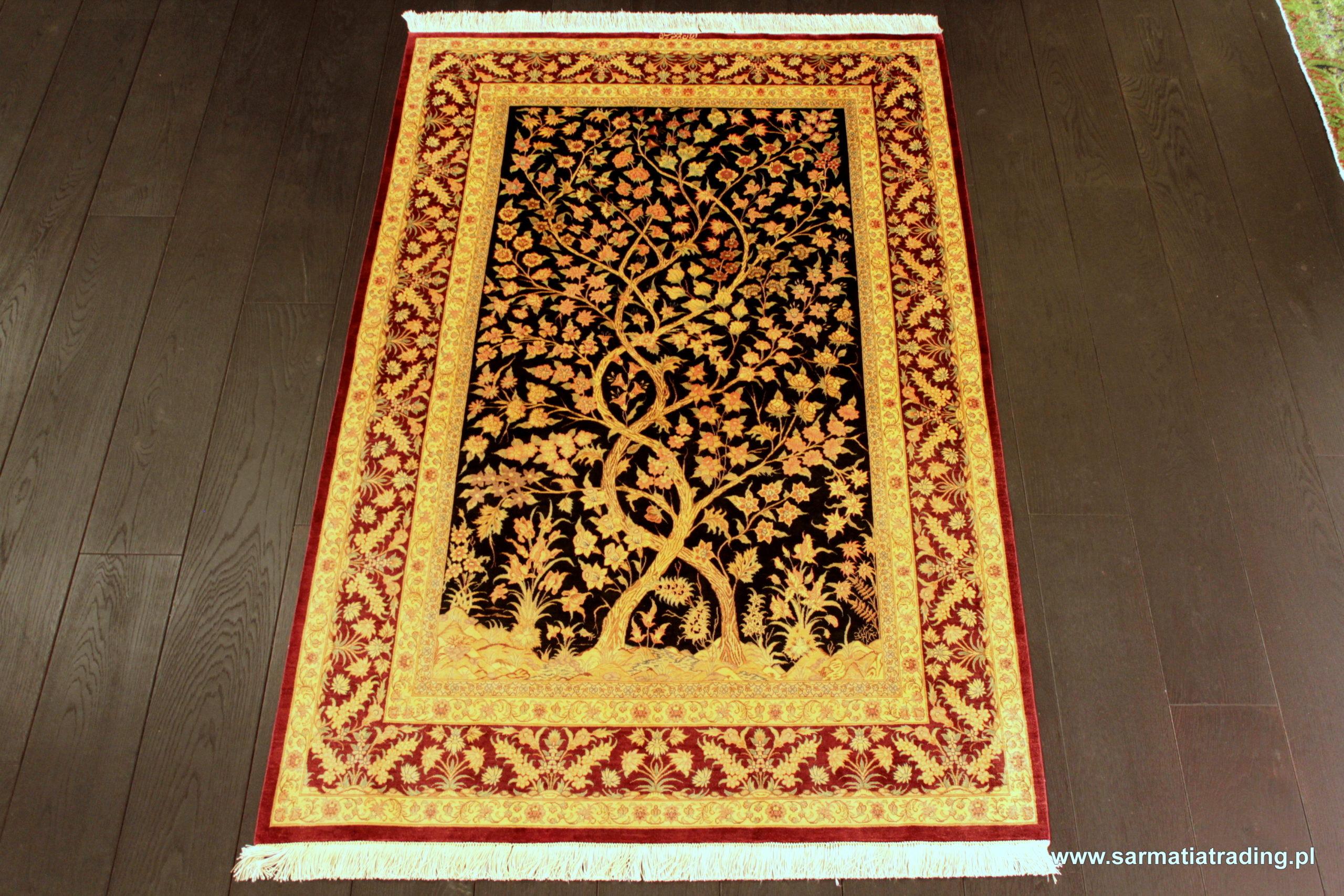 ekskluzywny dywan jedwabny motyw drzewa